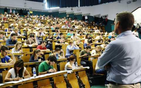 Università, i giovani italiani i più insoddisfatti al mondo: contenti solo 6 su 10