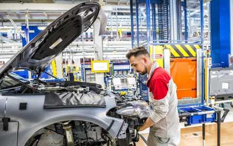 L'industria è ripartita ma i posti di lavoro non crescono